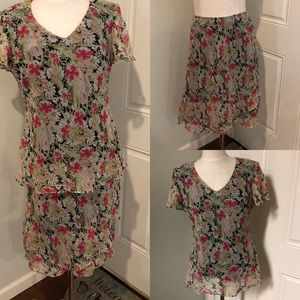 Matching set Floral ruffle blouse top skirt